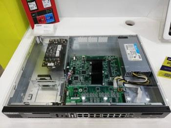 Guardian QGD-1600Pの内部